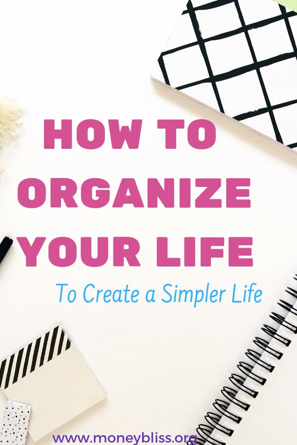 Tips and ideas to organize your life. But, more importantly, how to create a simpler life. Easy ideas to organize your life with time management, planner organization, productivity, morning routines, and more. Lose the stress with kids and declutter your life.