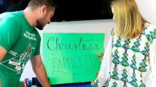 FREE Thanksgiving & Christmas Family Feud Game Questions