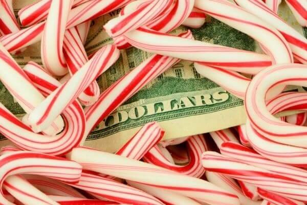 christmas gift shopping on a budget